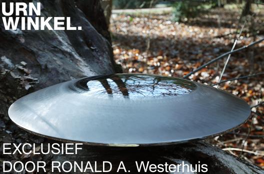Ronald A. Westerhuis en URNWINKEL.nl rvs urnen